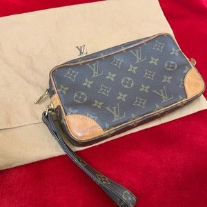 Authentic Louis Vuitton clutch wristlet